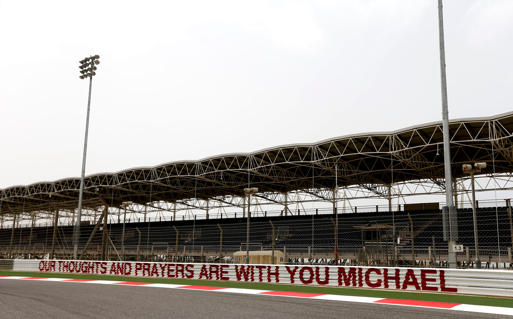schumacher-supportmsg-bahrain-14