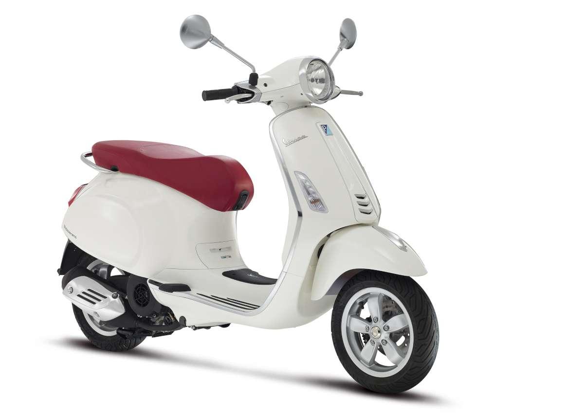 21-Vespa-Primavera-150-W1200