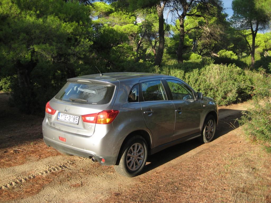 Mitsu ASX 2014 rear 3_4
