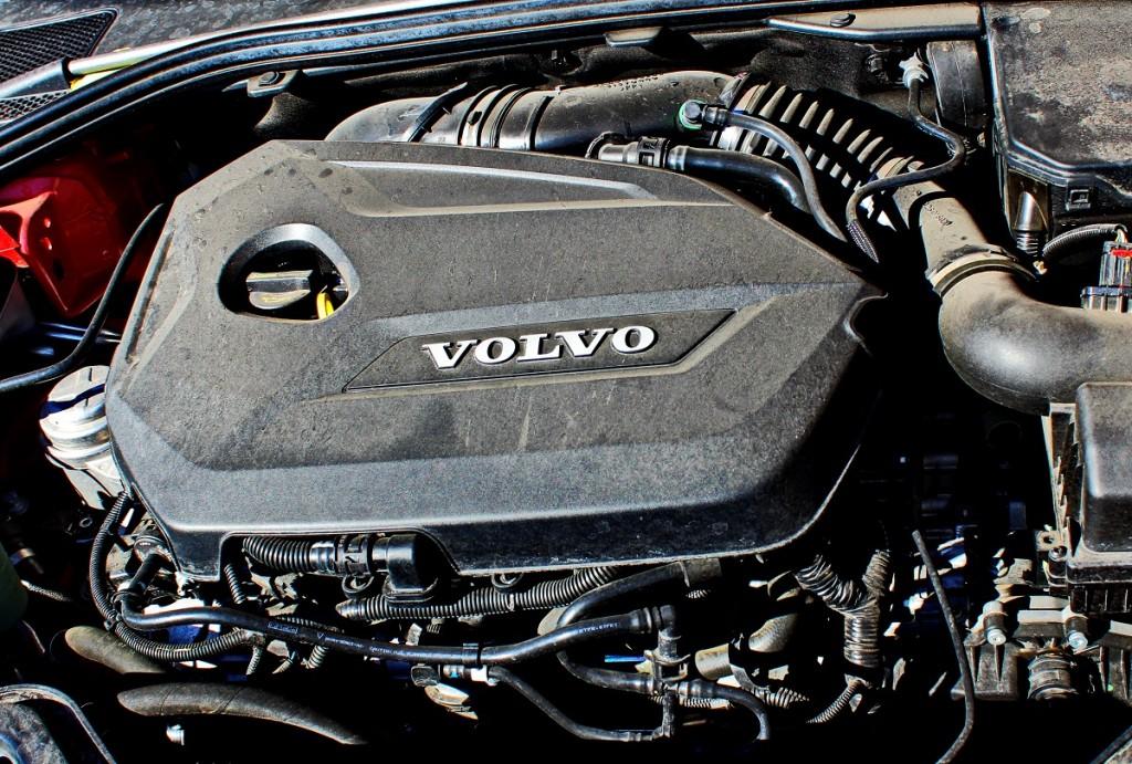 Volvo S60 R Design 8