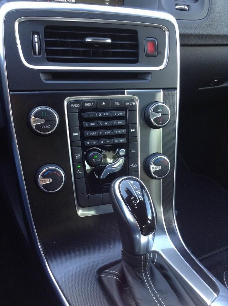 Volvo S60 R Design 16
