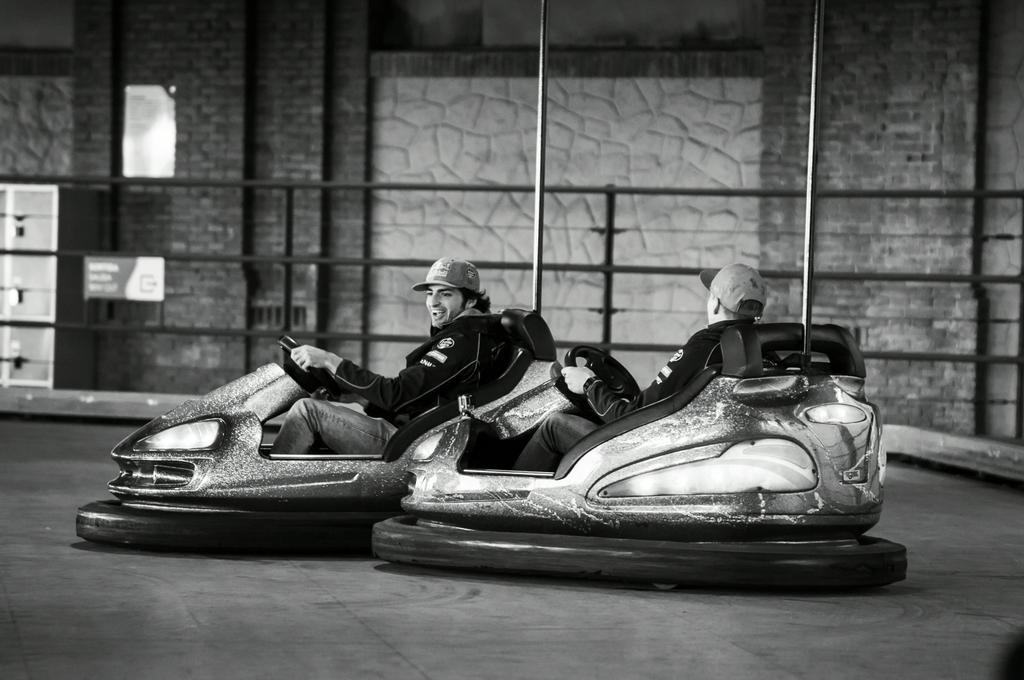 sainz-verstappen-crashcars