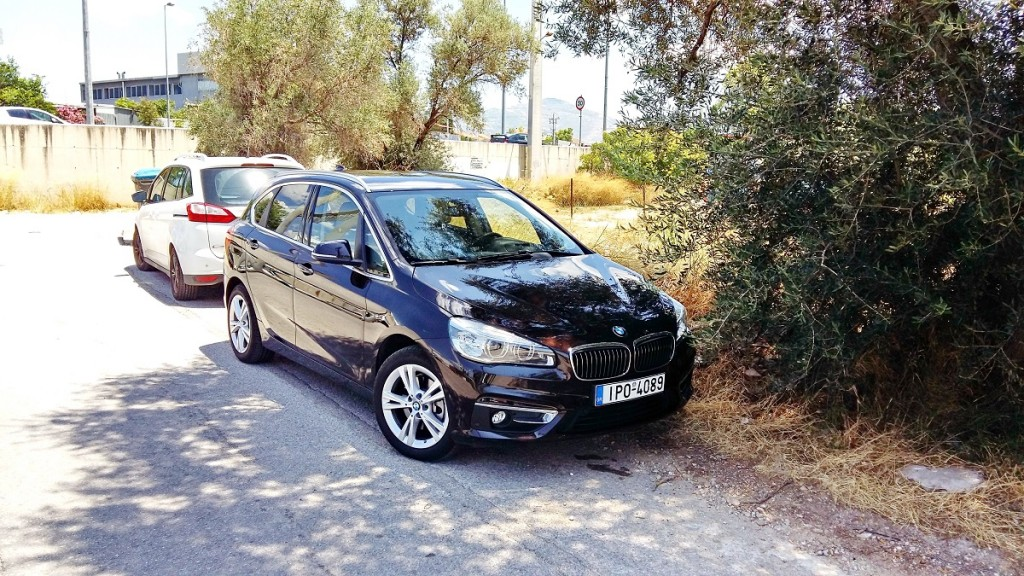BMW 218iAT 1