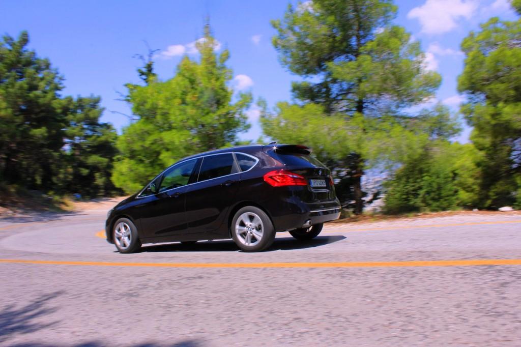 BMW 218i AT 3