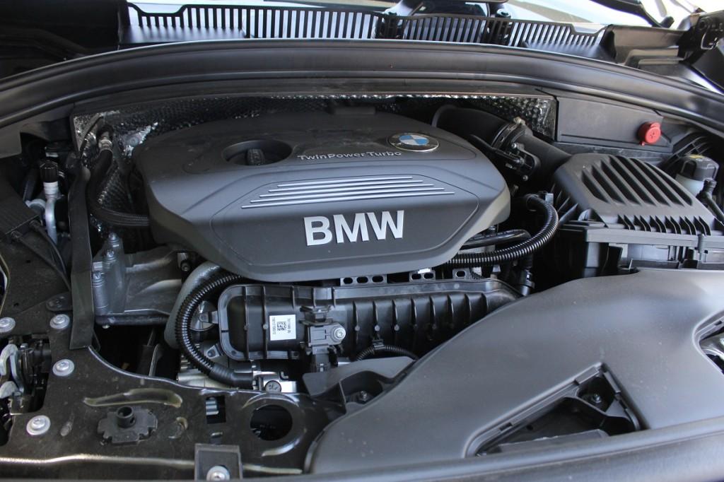 BMW 218i AT 4