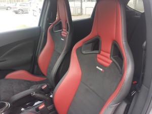 juke-nismo-seats