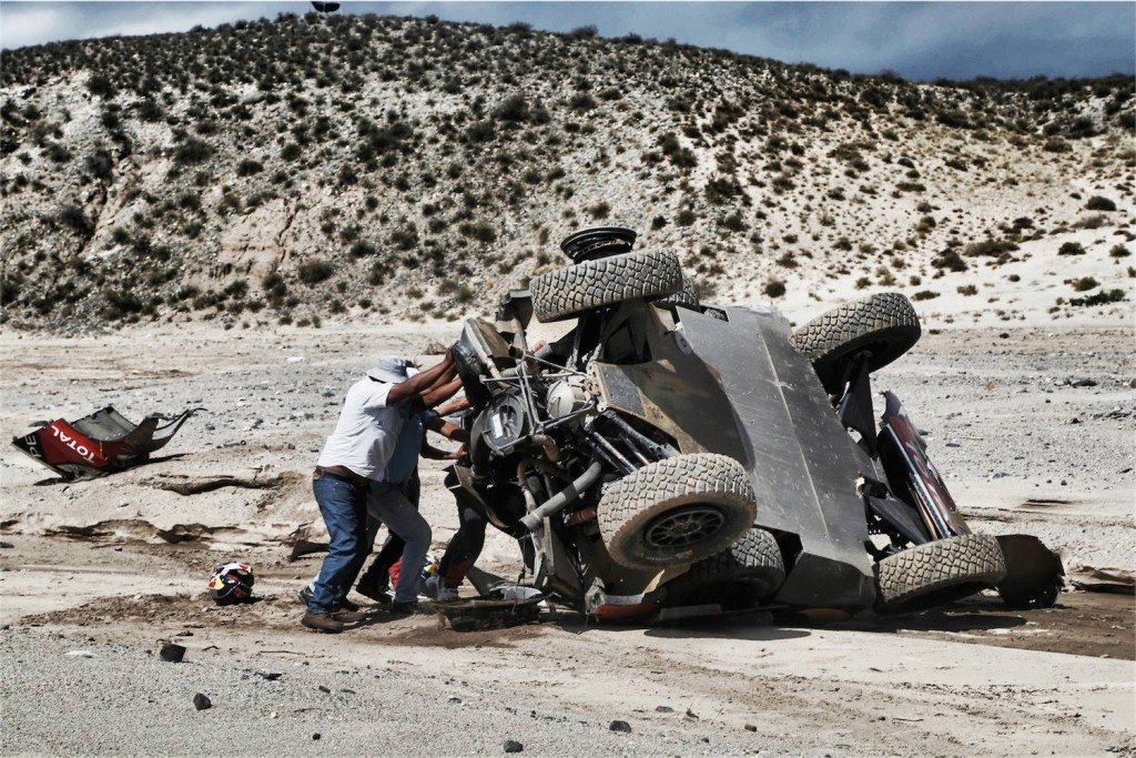 loeb-dakar16-crash-2