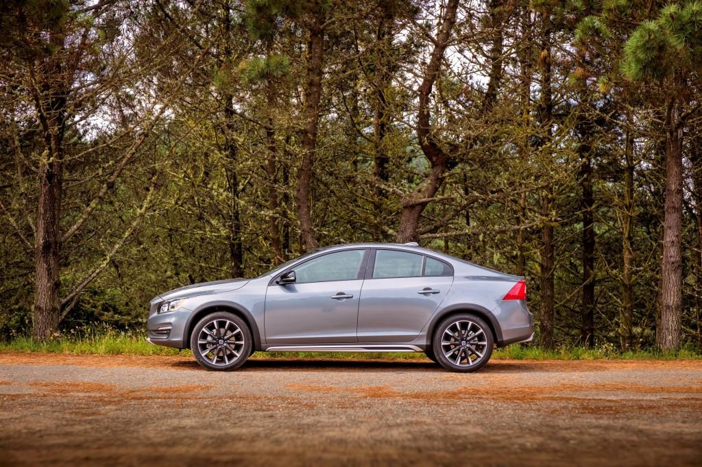 Volvo S60 Cross Country - model year 2016
