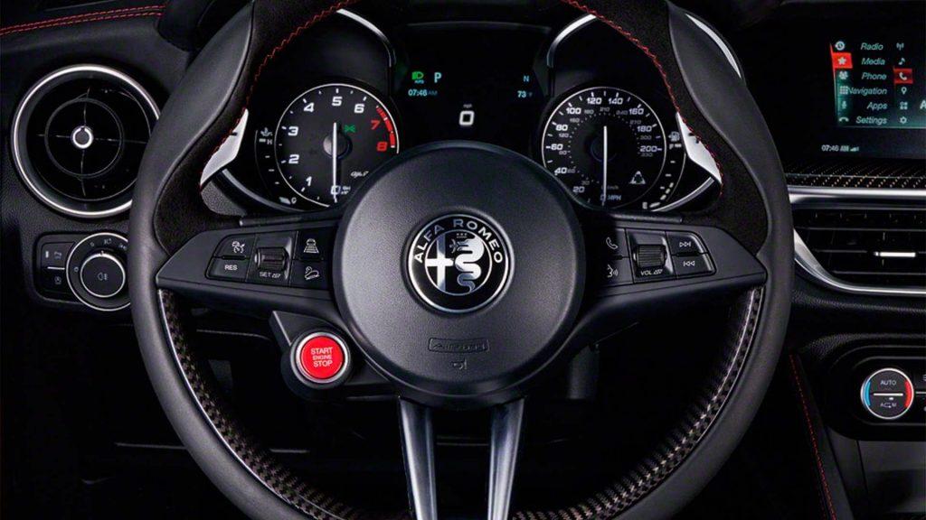 Alfa Romeo Stelvio Dash