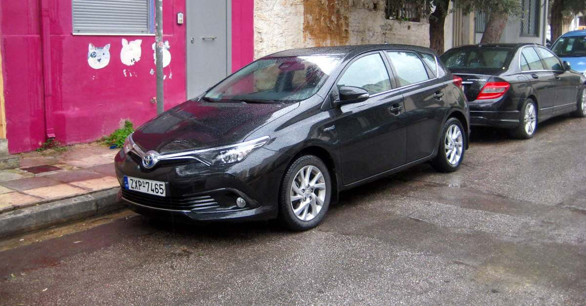 live test toyota auris 1 8 136hp hybrid. Black Bedroom Furniture Sets. Home Design Ideas