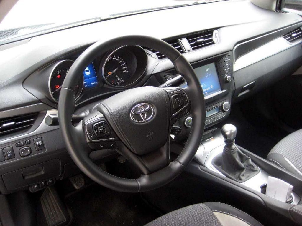 Toyota Avensis 1.6 d-4d 9
