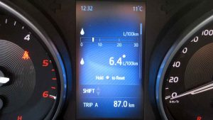 Toyota-Avensis-D-4D-2016-4