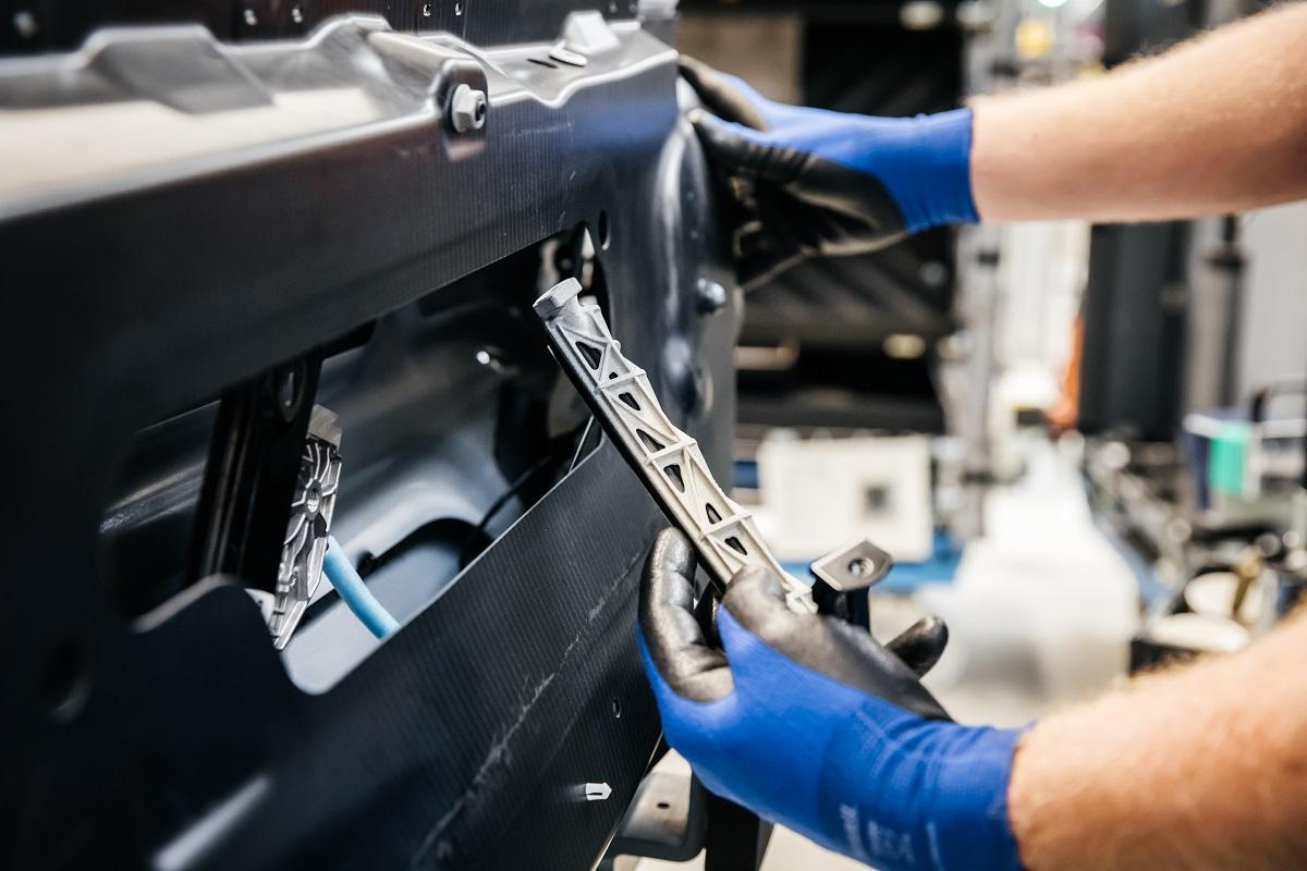 BMW Group 1.000.000 3D εκτυπωμένα εξαρτήματα σε 10 χρόνια - motornews.gr 7b4ce424f4f