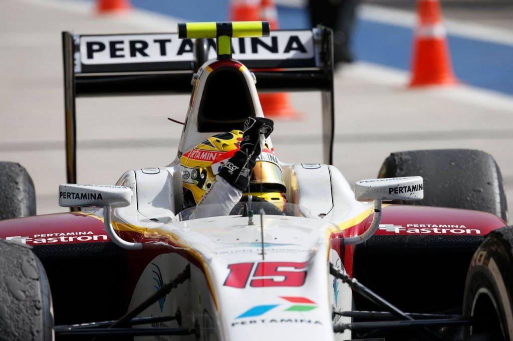 haryanto-gp2-win-bahrain-r2-15