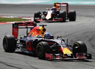 Red Bull ricciardo-malaysia-2016
